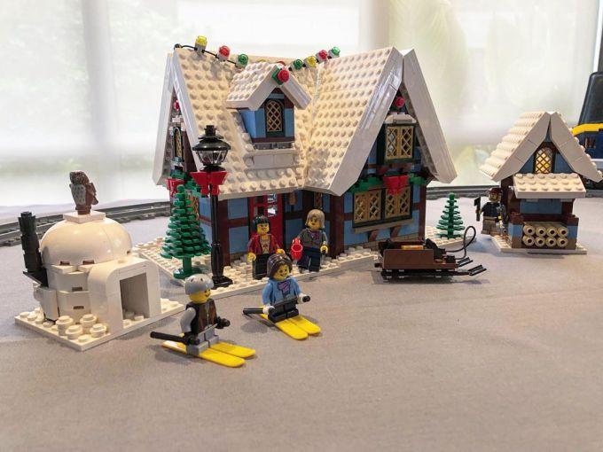 Lego Winter Village Cottage set