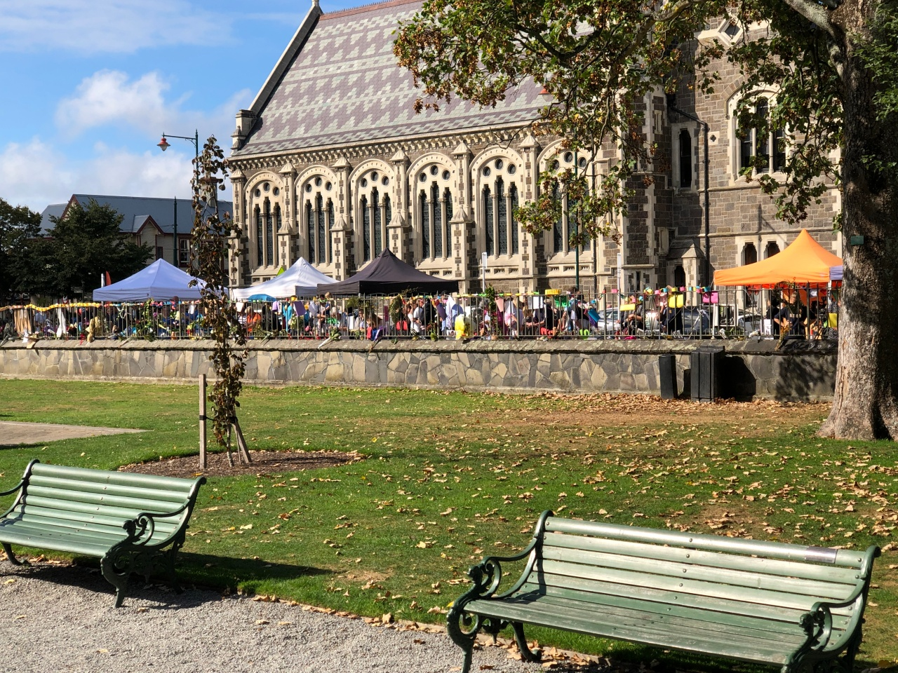 An image taken from inside the Christchurch Botanical Gardens showing the many people lined up to pay tribute to the victims of the Christchurch terrorist attacks.