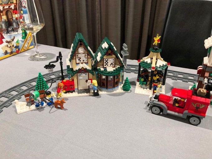 Lego Winter Village Post Office set